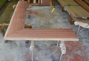 4 ブビンガ材L型カウンターの制作(サンダー仕上げ前)